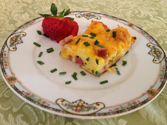 Magnolia House Bed and Breakfast: We use fresh local ingredients in our breakfast items.