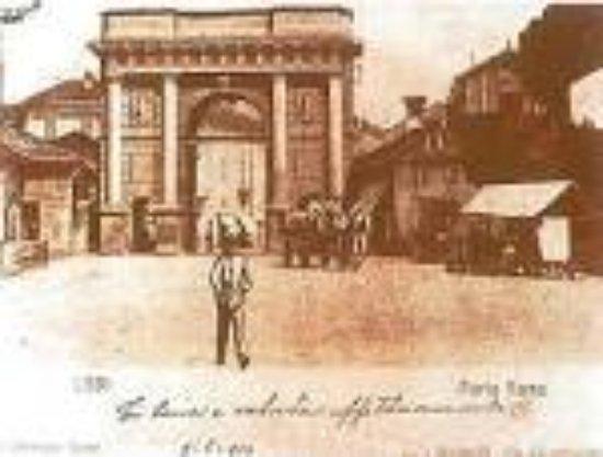 Mura di Lodi: porta cremona in immagine d'epoca