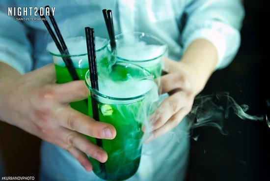 Подача химических коктейлей в колбах  #дымящиесякоктейли