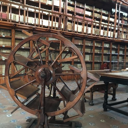 Biblioteca Palafoxiana: photo0.jpg