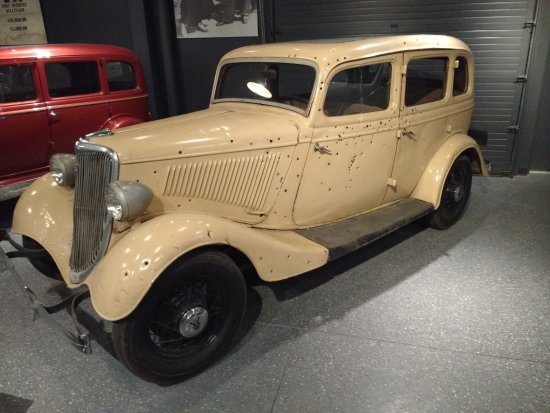 prop death car from the 1967 bonnie and clyde movie picture of