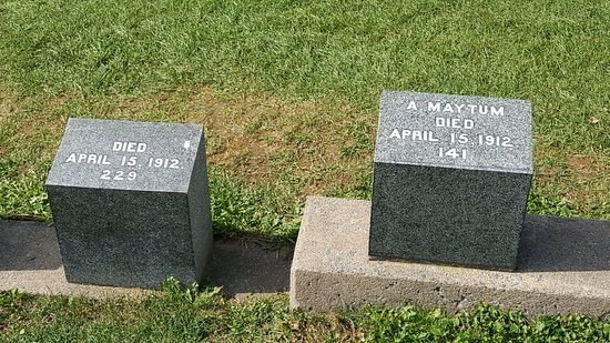 Fairview Lawn Cemetery : 20170924_134553_large.jpg
