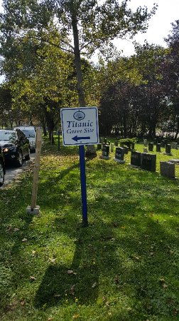Fairview Lawn Cemetery : 20170924_133428_large.jpg