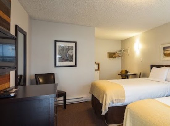Fernie, Canada: Comfort room with two double beds