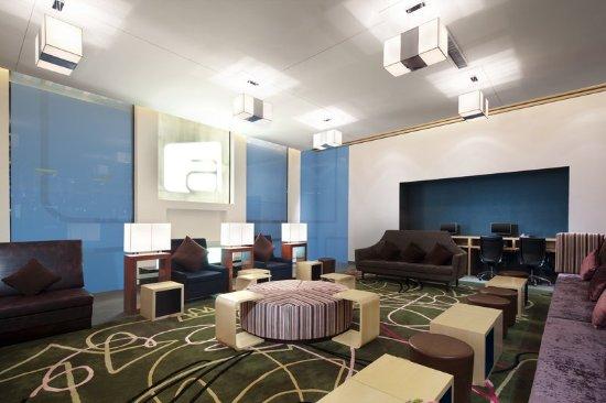Haiyang, China: Bar/Lounge
