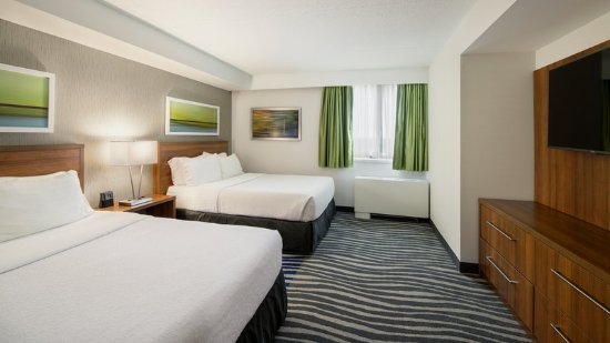 Holiday Inn Winnipeg - Airport West: Suite
