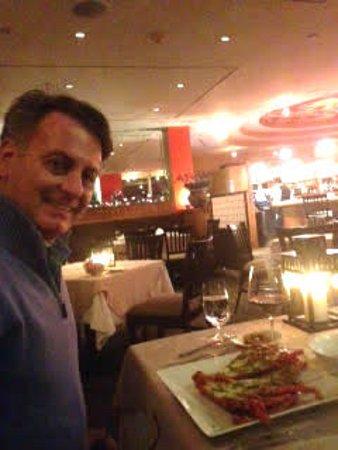 Beau Rivage Restaurant and Bar : Fresh, spicy Bermuda spicey lobster
