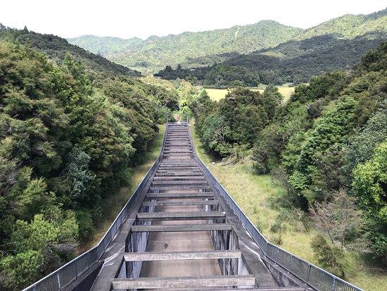 Hunua, ניו זילנד: dam spillway