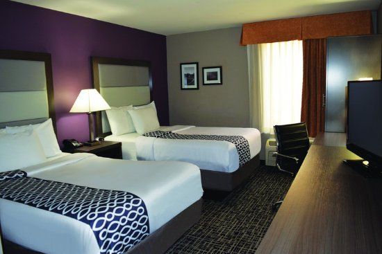 La Quinta Inn Radford: Guest room