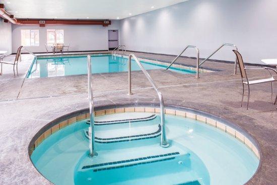 Foto de la quinta inn suites tulsa airport expo square for Pool show okc