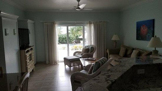East End, Grand Cayman: 20180108_155357_large.jpg
