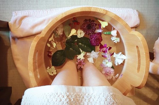 Japanese Foot Spa Treatment in Kyoto