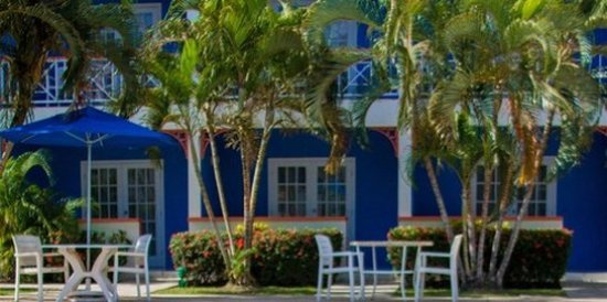 Bay Gardens Hotel: Exterior