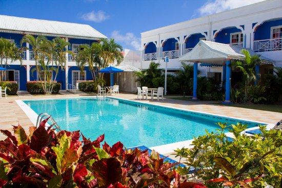 Bay Gardens Hotel: Pool