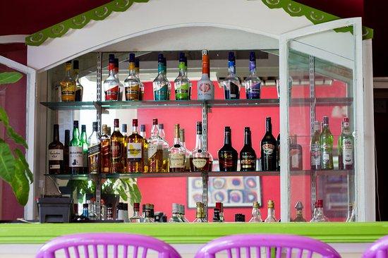 Bay Gardens Hotel: Bar/Lounge
