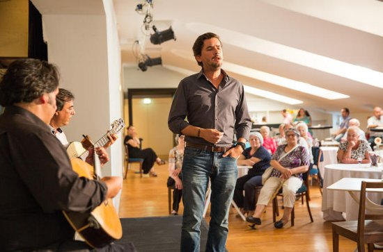 Tasting Fado Experience at the Teatro Tivoli in Lisbon