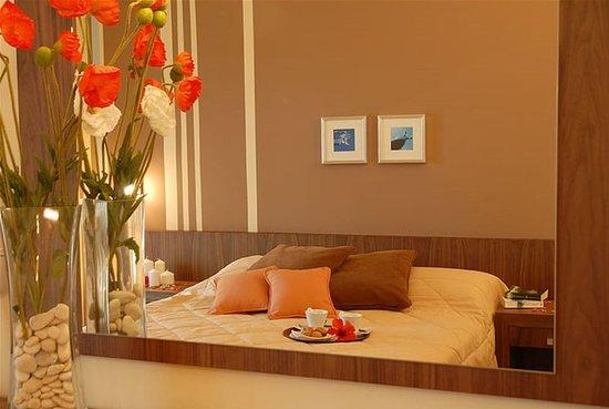 Venus Hotel & Suites: Guest room