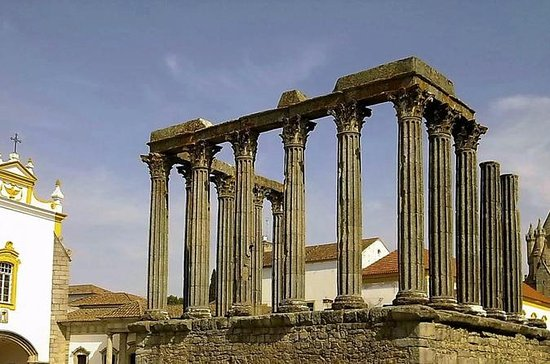 Évora Full Day Tour from Lisbon with ...