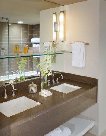 White Elephant Village | Residences & Inn: Guest room