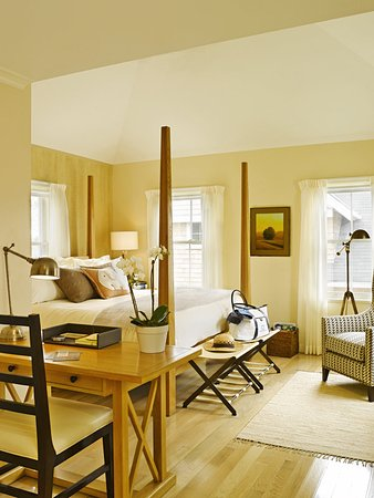 White Elephant Village | Residences & Inn: Guest room