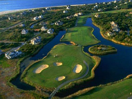 Marsh Harbour Inn: Golf course