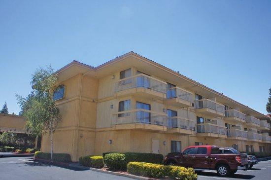 奧克蘭拉庫恩塔旅館和套房-海沃德照片