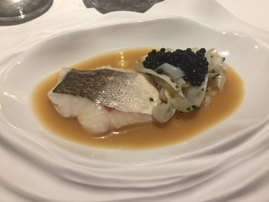 Corca, Spanyol: El mejor sin duda: textura y el sabor increible. No recuerdo el pescado y tallarines de sépia