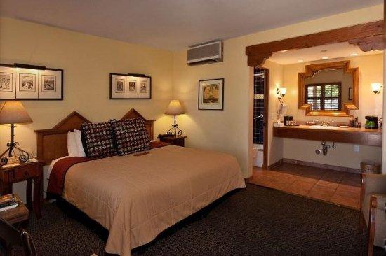 Old Santa Fe Inn: Suite