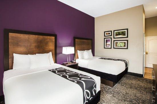 La Quinta Inn & Suites Baton Rouge Denham Springs: Guest room