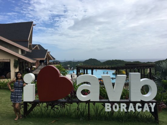 Alta Vista de Boracay: Area outside main lobby and next to pool