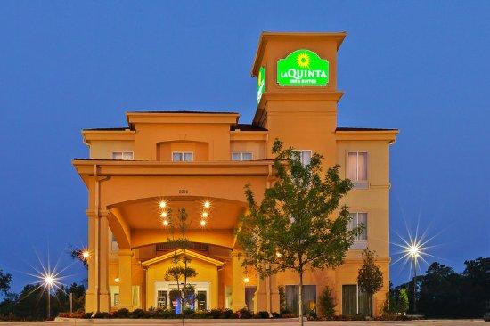 La Quinta Inn & Suites Marshall: Exterior