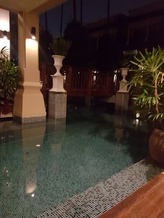 Burasari Resort: 20180104_012558_large.jpg