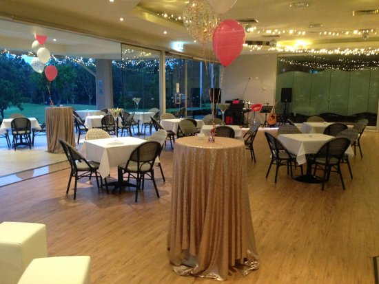 Peregian Springs, Australia: setup for a party