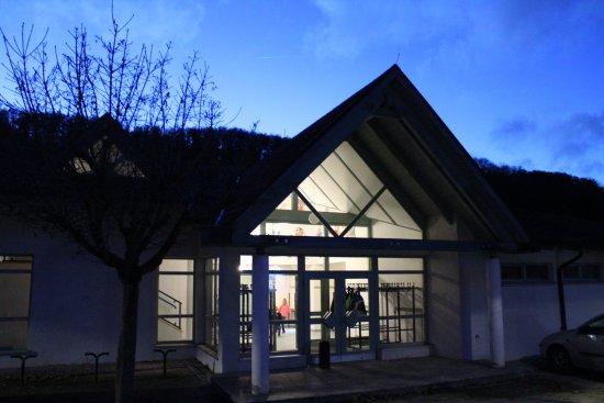 Wiernsheim, Tyskland: Gaststätte zur Kreuzbachhalle
