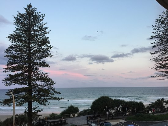 Coolum Beach, Australia: Evening view from balcony
