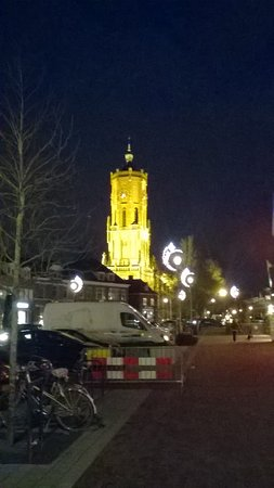 Elst, Países Bajos: the cathedral at night