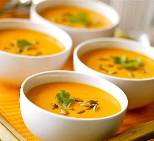 Saint Cyr l'Ecole, Francia: soupe au carottes et curry