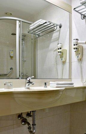 Hotel Coronet Image