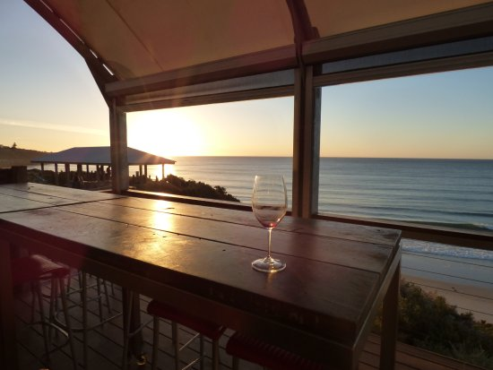 Port Willunga, ออสเตรเลีย: view from restaurant, and outside dining area