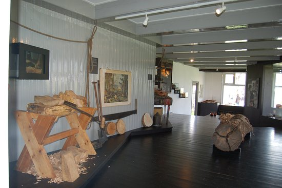 Scherjon's Woodenshoe factory & Museum