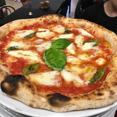 Villafranca in Lunigiana, Italy: Pizza Comics da Ivan
