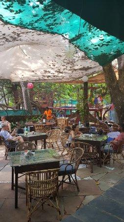 Anjuna, India: Outdoor seating