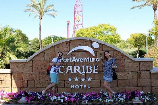 PortAventura Hotel Caribe: Entrada al hotel