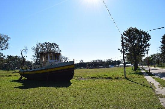 Isla del Cerrito, Argentyna: Barco en un parque