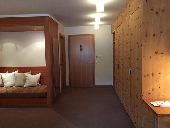 Grosse Schränke mit viel Stauraum - Bild von Hotel Mein Almhof ...