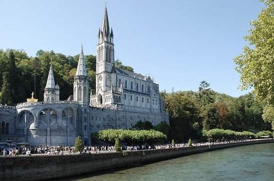 Day Trip to Lourdes and Saint...
