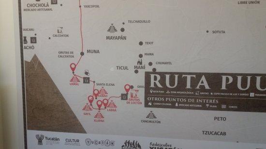 Uxmal, México: nedaleke pyramidy