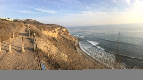 Rancho Palos Verdes, CA: View south from the trail