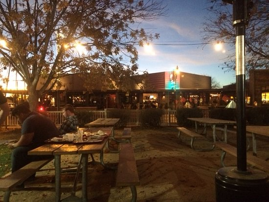 Joe's Real BBQ: Outdoor seating