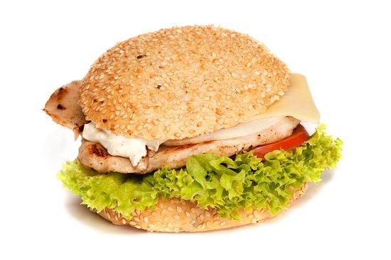 Kirchschlag in der Buckligen Welt, Austria: saftiger Chickenburger